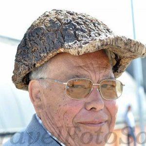 Оригинальная шляпа из пробкового дуба