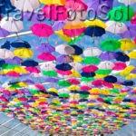 И снова разноцветные зонтики в небе Агеда