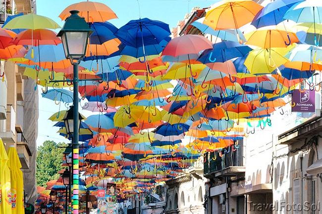 Agueda-праздник-зонтиков